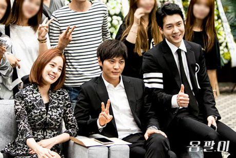 Kim Tae Hee va doan phim Yong Pal den Da Nang vao thang 10 - Anh 1