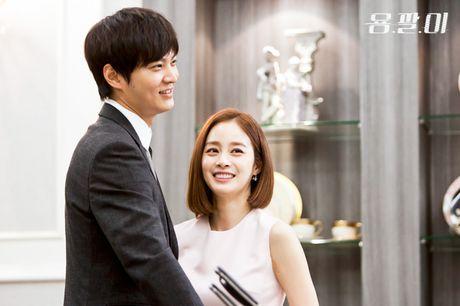 Kim Tae Hee va doan phim Yong Pal den Da Nang vao thang 10 - Anh 2