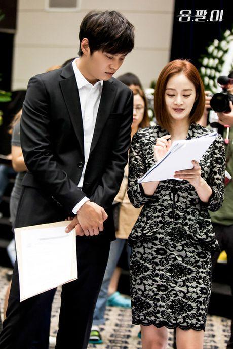 Kim Tae Hee va doan phim Yong Pal den Da Nang vao thang 10 - Anh 3