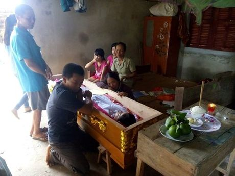 Ha Tinh: Hoc sinh thu ba chet duoi trong lu - Anh 1