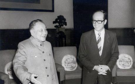 Ty phu so mot Hong Kong lang le rut khoi Trung Quoc - Anh 1