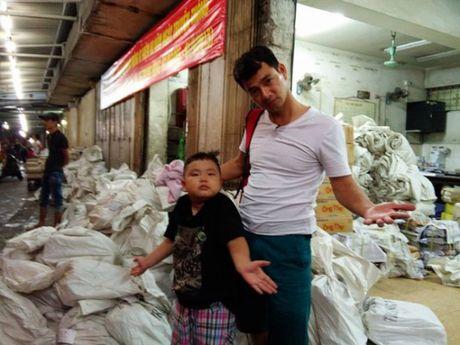 Bo oi, minh di dau the: Mua lon, bo con Xuan Bac van di lam nhiem vu - Anh 5