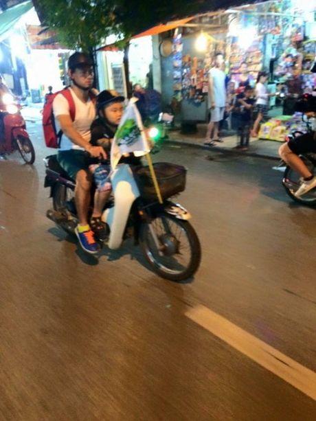Bo oi, minh di dau the: Mua lon, bo con Xuan Bac van di lam nhiem vu - Anh 6