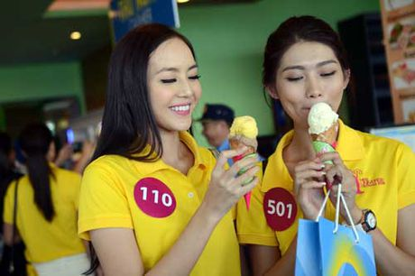 45 nguoi dep Hoa hau Hoan Vu Viet Nam tham UBND tinh Khanh Hoa - Anh 8