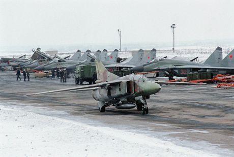 Artyom Mikoyan: Cha de cua chien dau co MiG - Anh 11