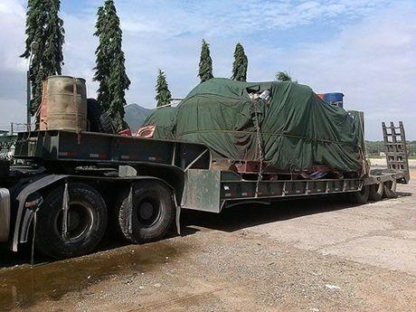 2 xe 'khung' cho qua tai tu Ha Noi lot den Binh Thuan - Anh 1