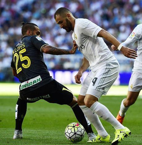 Real 1-0 Granada: Ronaldo chua the len ngoi so mot - Anh 8