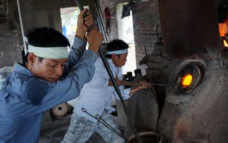 Ky la noi lam coc vai chi de uong bia hoi Ha Noi - Anh 4