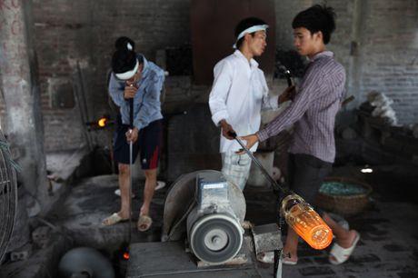 Ky la noi lam coc vai chi de uong bia hoi Ha Noi - Anh 8