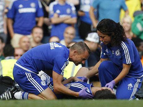 Jose Mourinho phu nhan cao buoc chui bac si Eva Carneiro - Anh 1