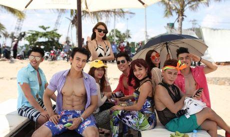 Dao dien Diep vu chan dai: Phim hau truong showbiz kho tranh scandal - Anh 4