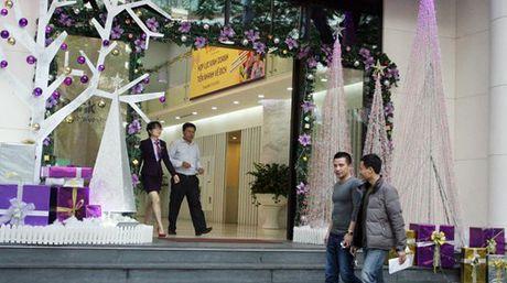 Duong pho Ha Noi ron rang truoc dem Giang sinh - Anh 6