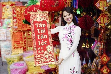 Hoa hau Dien anh 9X thuot tha ao dai don xuan - Anh 8