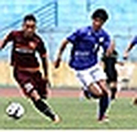 Tan HLV Ha Noi T&T thua nhan qua soc - Anh 5