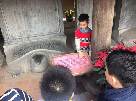 Hinh anh khong dep tai Van Mieu ngay dau xuan - Anh 7