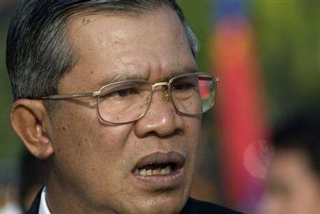 """Tai sao ong Hun Sen """"bong dung noi doa"""" chuyen Bien Dong? - Anh 1"""