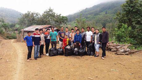 3 chang trai Nepal 'phuot' 100 nuoc bang xe dap den Viet Nam - Anh 4