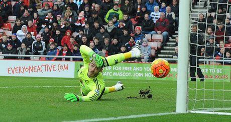 Man United thua Sunderland, Van Gaal dat cuoc tuong lai o Europa League - Anh 1