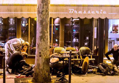 Ben trong vu khung bo Paris - Ky 1 - Anh 2