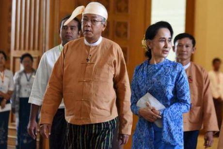 Con duong gianh quyen luc cua ba Suu Kyi gap tro ngai - Anh 1