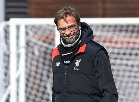 Jurgen Klopp cung cac hoc tro cuoi dua vui ve truoc dai chien voi Tottenham - Anh 1