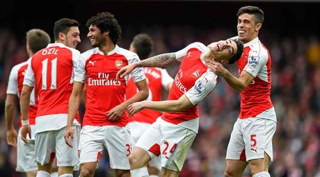 """Huy diet"" Watford, Arsenal chua tu bo tham vong vo dich - Anh 1"