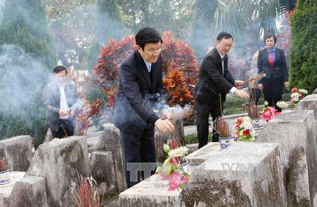 Xay Nha tuong niem tri an cac anh hung liet sy mat tran Vi Xuyen - Anh 1