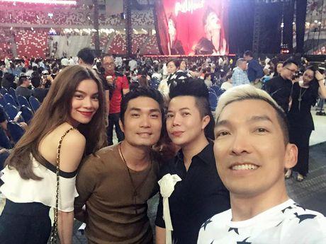 Chieu thuc giup Ho Ngoc Ha dang hoang tro lai bat chap scandal - Anh 3