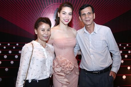 Chieu thuc giup Ho Ngoc Ha dang hoang tro lai bat chap scandal - Anh 5