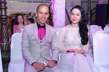 Linh Nga dep man ma, than thiet ben Minh Tam Bui - Anh 1