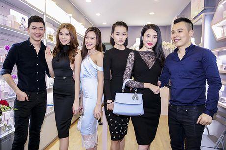 A hau Minh Thu deo tui xach tram trieu di su kien - Anh 3