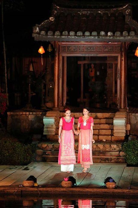 Vap nga trat chan, A hau Le Hang duoc Hoa hau Diem Huong diu di - Anh 4