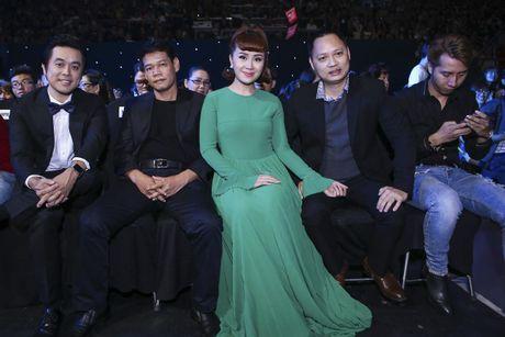 Nhung bo canh giup Luu Thien Huong ghi diem tren ghe nong - Anh 8