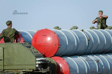Muc kich linh Nga trien khai 'rong lua' S-300 vao tran dia - Anh 10