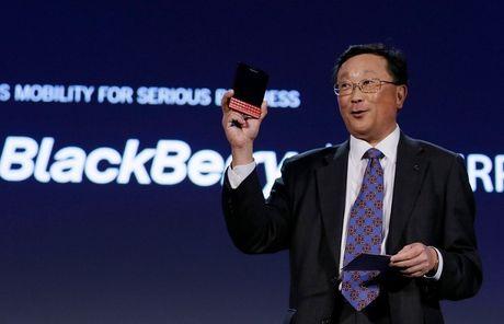 Doanh so dien thoai BlackBerry giam mot nua, doanh thu that vong - Anh 1