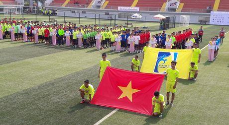Hoi thao CNVCLD – Nike Cup mo rong lan 3 -2016: Soi noi, hao hung khai mac giai - Anh 1