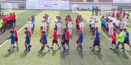 Hoi thao CNVCLD – Nike Cup mo rong lan 3 -2016: Soi noi, hao hung khai mac giai - Anh 2