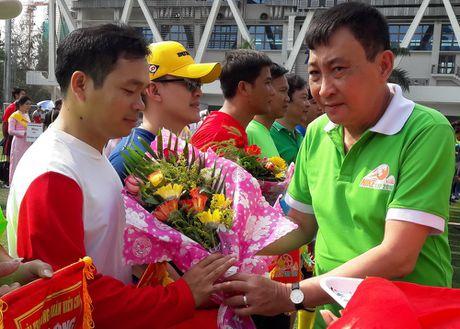Hoi thao CNVCLD – Nike Cup mo rong lan 3 -2016: Soi noi, hao hung khai mac giai - Anh 3