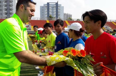 Hoi thao CNVCLD – Nike Cup mo rong lan 3 -2016: Soi noi, hao hung khai mac giai - Anh 6