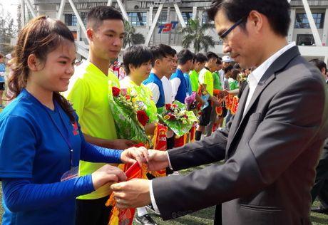 Hoi thao CNVCLD – Nike Cup mo rong lan 3 -2016: Soi noi, hao hung khai mac giai - Anh 7