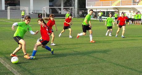 Hoi thao CNVCLD – Nike Cup mo rong lan 3 -2016: Soi noi, hao hung khai mac giai - Anh 9