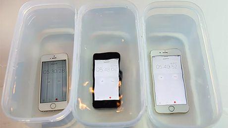Apple trang bi kha nang chong nuoc cho iPhone SE - Anh 1