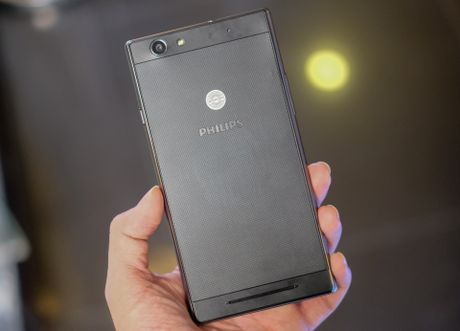 Philips gioi thieu 2 smartphone man hinh bao ve mat o VN - Anh 3