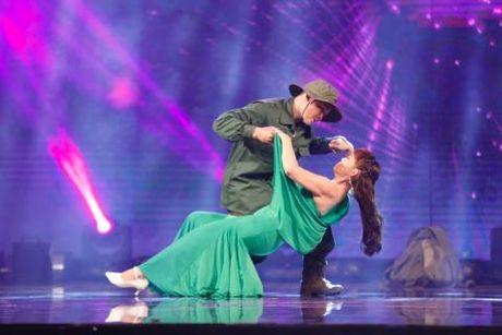VIDEO: Cau be danh trong 9 tuoi 'thieu dot' san khau Got Talent - Anh 1