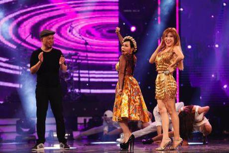 VIDEO: Cau be danh trong 9 tuoi 'thieu dot' san khau Got Talent - Anh 2