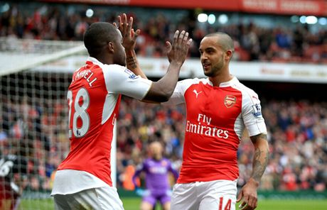 Arsenal 4-0 Watford: Sanchez – Iwobi toa sang, Arsenal niu giu hi vong xung vuong - Anh 2