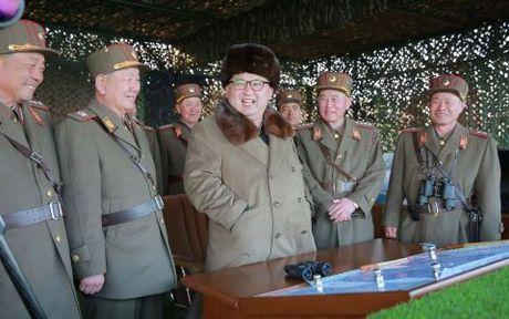 Lanh dao Trieu Tien Kim Jong-un thi sat he thong phong khong moi - Anh 1