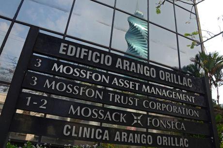 Vu Ho so Panama: Thu giu nhieu tai lieu cua Mossack Fonseca - Anh 1