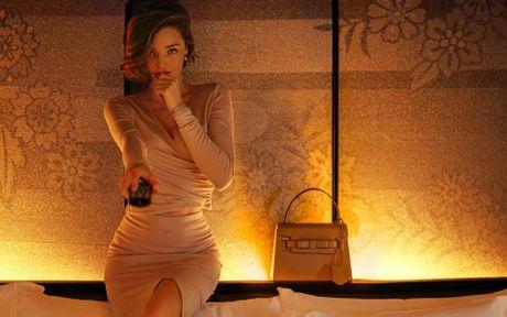 Miranda Kerr day me hoac voi noi y va vay trong suot - Anh 8