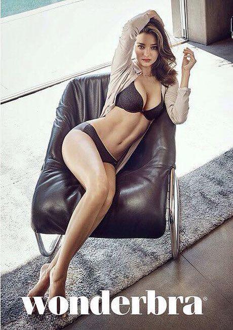 Miranda Kerr day me hoac voi noi y va vay trong suot - Anh 11